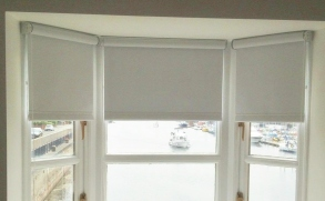 Blackout White roller blinds - Square edge