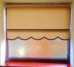 Classic design roller blind - Hessian with brown braid