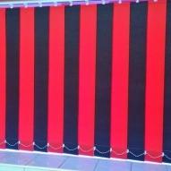 Red/Black alternated vertical blinds