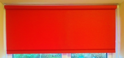 Red roller blind - Square edge with red braid